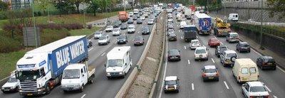 Paris, Porte de Montreuil, périphérique est (c) Yves TRAYNARD 2005