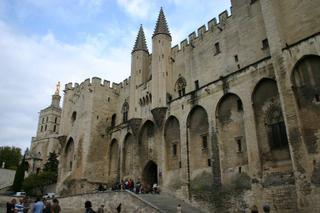 Avignon, palais des Papes (c) Yves TRAYNARD - 2005
