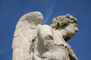 Avignon, un ange passe (c) Yves TRAYNARD - 2005