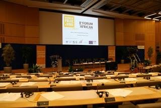Paris, 8ème Forum international sur les perspectives en Afrique, salle de conférence (c) Yves Traynard 2008