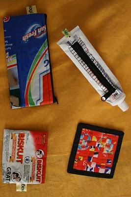 Paris, Objets indonésiens en matériaux de récupération, marque Pake Lagi (*) Yves Traynard 2007