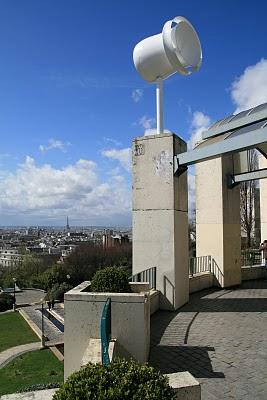 Paris, Parc de Belleville, Micro-éoliennes (c) Yves Traynard 2010