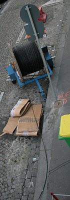 Paris, rue Ramponeau, câblage (c) Yves Traynard 2007