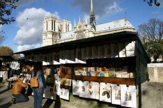 Paris, Quai de Montebello, Bouqinistes (c) Yves TRAYNARD 2005
