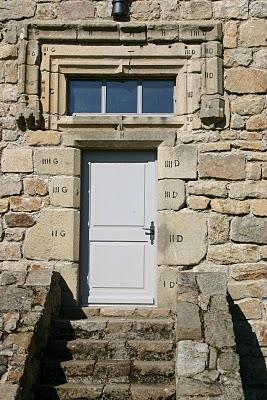 Montregard, Château de la Comtesse de Romezin (c) Yves Traynard 2007