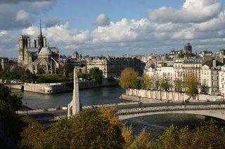 Paris, Pont de la Tournelle (c) Yves TRAYNARD 2005