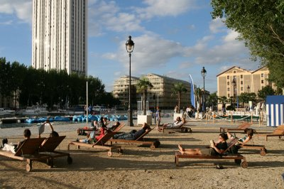 Paris, Paris Plage du côté de Jaurés  (c) Yves Traynard 2008