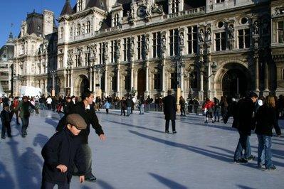 Paris, Hôtel de ville, patinoire (c) Yves Traynard 2007