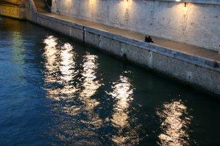 Paris, Notre-Dame, quai de Montebello (c) Yves TRAYNARD 2005