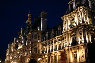 Paris, Hôtel de ville, façade (c) Yves TRAYNARD 2005