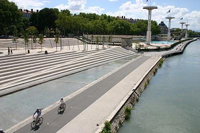 Lyon, berges du Rhône (c) Yves Traynard 2007