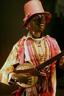 Paris, Musée des arts et métiers, le joueur de banjo (c) Yves TRAYNARD 2005