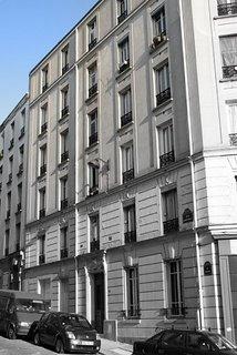Paris, 42 rue Ramponeau (c) Yves Traynard 2005