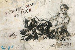 Paris, Rue Piat, pochoir de Miss. Tic (c) Yves Traynard 2000