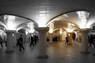 Paris, Station de métro Saint-Lazare (c) Yves Traynard 2005