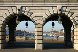 Paris, Pont de Bercy (c) Yves Traynard 2005