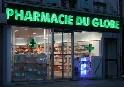 Paris, Pharmacie du Globe, 19 Boulevard Bonne Nouvelle (c) Yves Traynard 2008