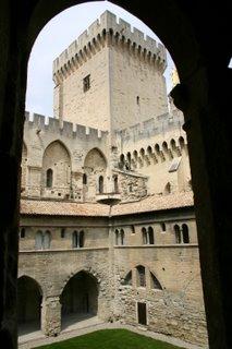 Avignon, Palais des Papes (c) Yves Traynard 2006