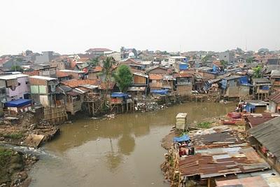 Jakarta, Kampung urbain (c) Yves Traynard 2007