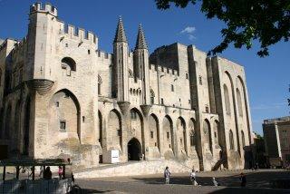 Avignon, Palais des Papes, façade (c) Yves Traynard 2006