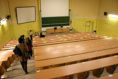 Créteil, Université Paris XII, Amphi jaune (c) Yves Traynard 2006