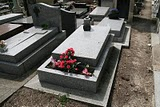 Paris, Cimetière du Père Lachaise, Tombe Penna (c) Yves Traynard  2010