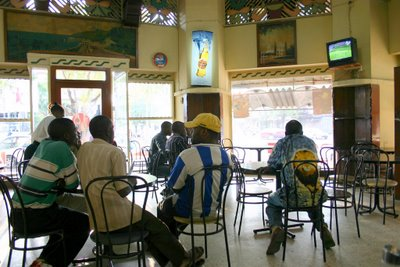 Maputo, Café Continental (c) Yves Traynard 2006