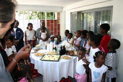 Maputo, anniversaire de Manuela (c) Yves Traynard 2006