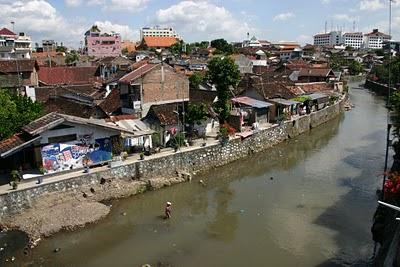 Yogyakarta, kampung populaire (c) Yves Traynard 2007