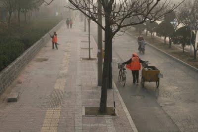 Baoding, Le nettoyage (c) Yves Traynard 2009