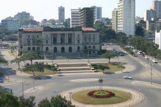 Maputo, Place de l'Indépendance (c) Yves Traynard 2006