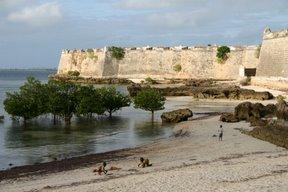 Ilha de Mozambique, le fort (c) Yves Traynard 2006