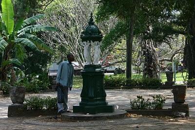 Maputo, fontaine Wallace (c) Yves Traynard 2008