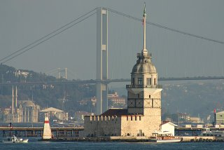Istanbul, Tour de Léandre et pont sur le Bosphore (c) Yves Traynard 2006