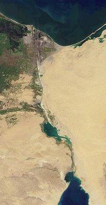 Canal de Suez, vue par sattelite (c) Wikipedia et NASA