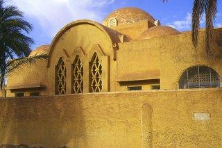 Algérie, El-Golea, Eglise dans la ville du tombeau de Charles de Foucauld (c) Yves TRAYNARD 2000