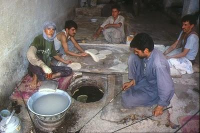 Herat, Boulangerie (c) Yves Traynard 2003