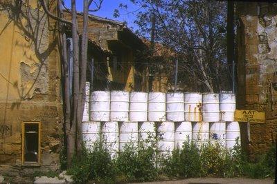 Nicosie, zone tampon ONU buffer zone côté grec (c) Yves Traynard 2004
