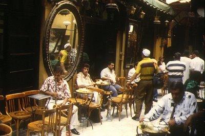 Le Caire, Café Fichaoui (c) Yves Traynard 1995